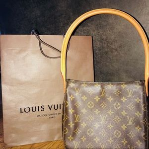 ‼️AUTHENTIC‼️ LOUIS VUITTON SHOULDER BAG